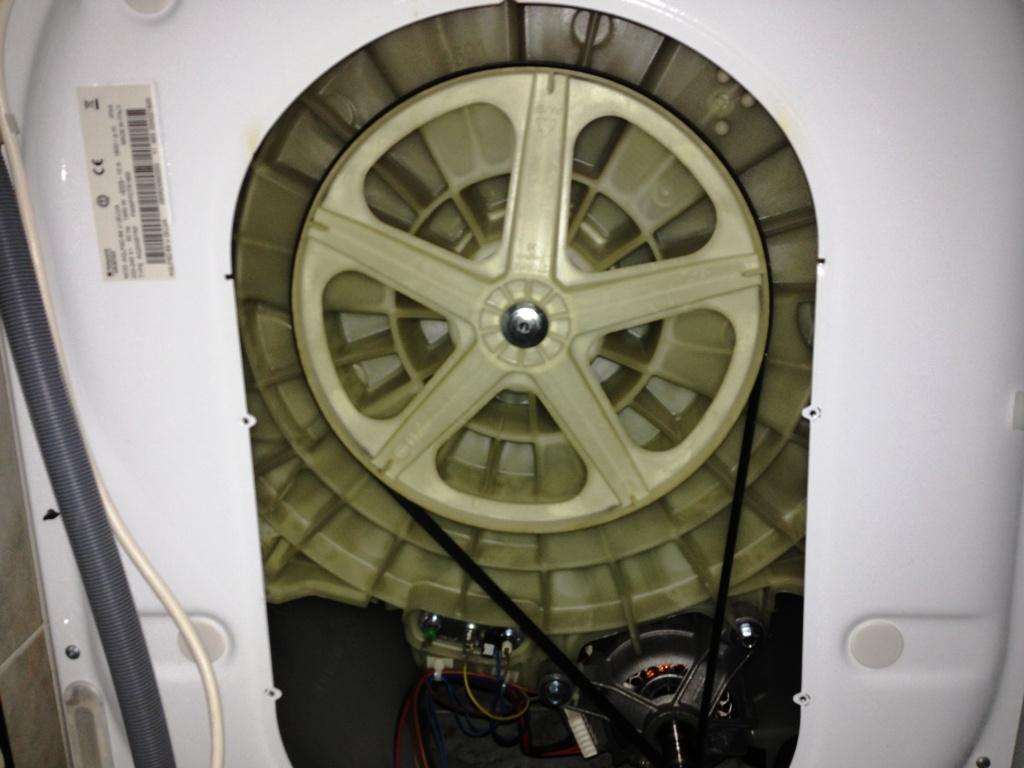 Hotpoint aqualtis aqlf9d69 u divenuta rumorosa in - Mobili per lavatrici e asciugatrici ...