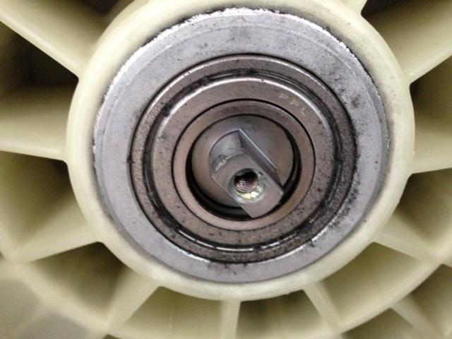 Sostituzione cuscinetti lavatrice indesit colonna porta - Cambiare maniglia porta ...
